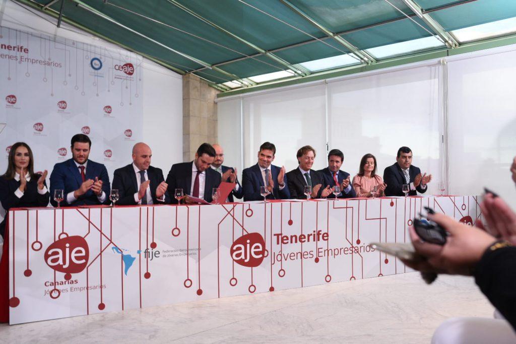 presentación de la nueva junta de AJE Tenerife